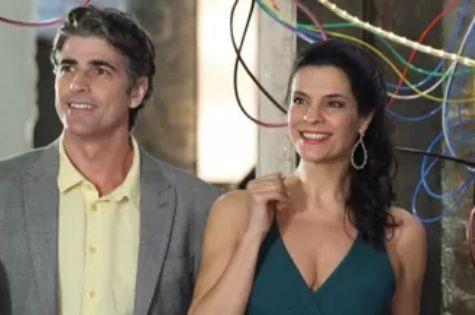 Reynaldo Gianecchini e Helena Ranaldi em cena de 'Em família' (Foto: Divulgação/TV Globo)