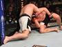 Ben Rothwell faz história ao ser o primeiro a finalizar Barnett no MMA