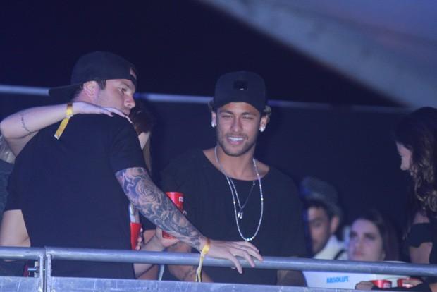 Neymar durante show (Foto: Brazil News)