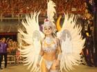 Vanessa Mesquita desfila com microfantasia