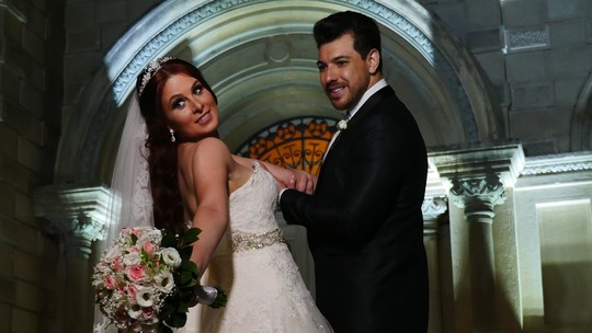 Ex-BBB Cézar Lima casa em cerimônia luxuosa; vídeo!