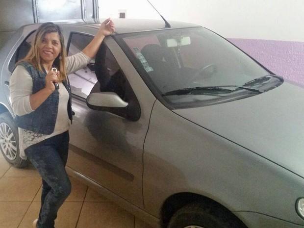 Professora Edna Filomena, de 51 anos, já teve um carro furtado em Sobradinho, no Distrito Federal (Foto:  Edna Filomena/Arquivo Pessoal)
