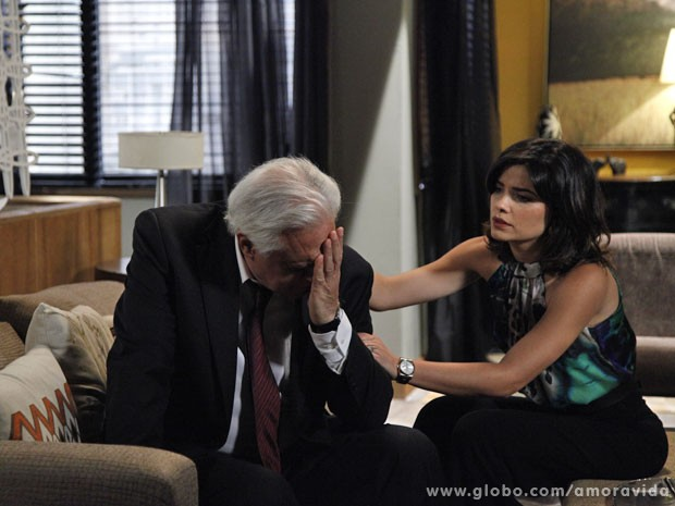 César chora com a perda da presidência do San Magno (Foto: Ellen Soares)