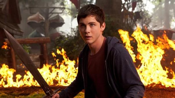 Logan Lerman também estrela a continuação 'Percy Jackson e o Mar de Monstros'  (Foto: divulgação / reprodução)