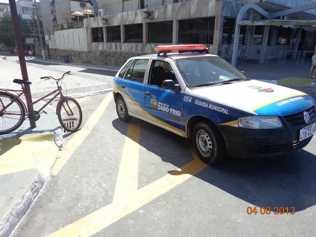 carro guarda municipal na orla da praia do forte (Foto: Frederico Freiman/Arquivo pessoal)