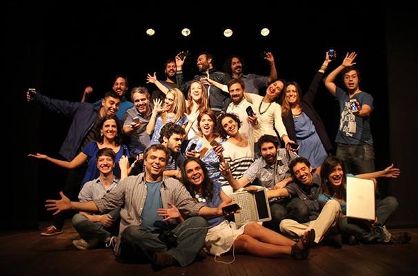Metade do grupo Clube da Cena se reuniu para discutir o tema  (Foto: Divulgação)