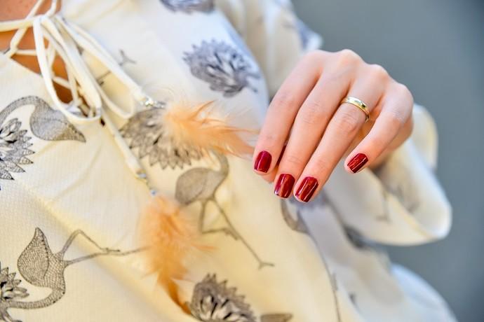 As clássicas unhas vermelhas (Foto: Priscilla Fiedler/RPC)