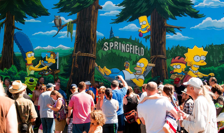 Um mural dos Simpsons foi inaugurado em Springfield (Foto: Getty Images)