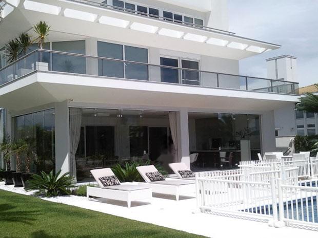 Casa de luxo em Jurerê Internacional valoriza mais de R$ 1 milhão por ano (Foto: Divulgação/Jurerê Class)