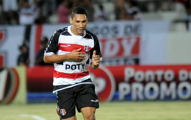 Flávio Caça-Rato, atacante do Santa Cruz (Foto: Aldo Carneiro)