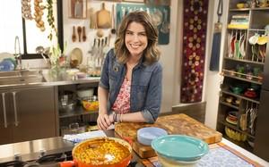 Looks da Rita Lobo na 5ª temporada do 'Cozinha Prática'