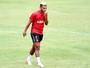Rogério admite oscilação no Sport, mas defende trabalho de Daniel
