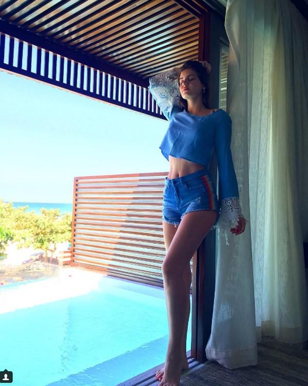 Camila Queiroz (Foto: Reprodução / Instagram)