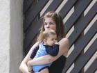 Cristiana Oliveira curte passeio com o neto no Rio