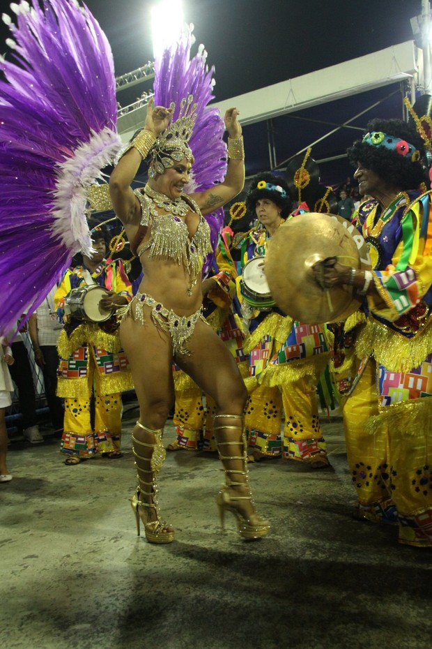 Scheila Carvalho no Rio (Foto: Marcos Ferreira/Fotorio News)