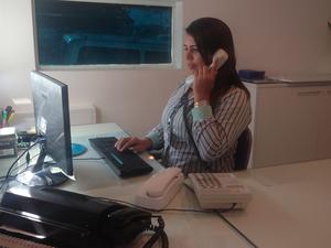 Entre os cursos disponíveis está o de recepcionista (Foto: Cecília Morais/ G1 Caruaru)