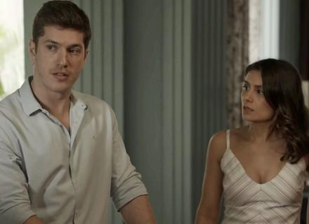 Bruno arma plano para passar Natal com Raquel