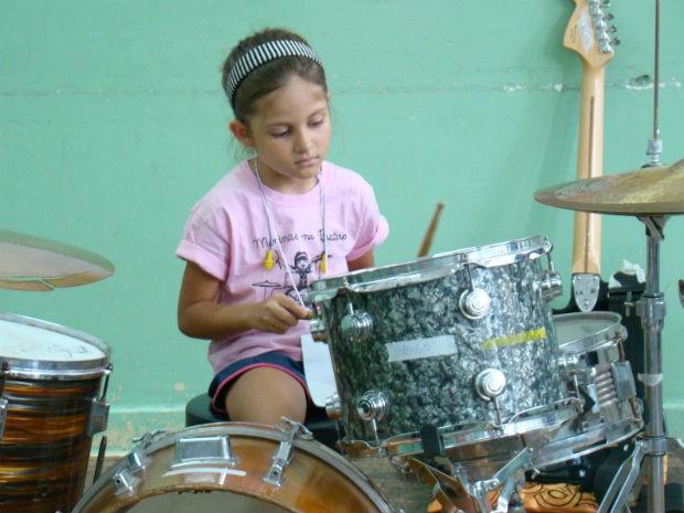 Girls Rock Camp Brasil, em Sorocaba - Alice, baterista (Foto: Fernando Cesarotti/G1)