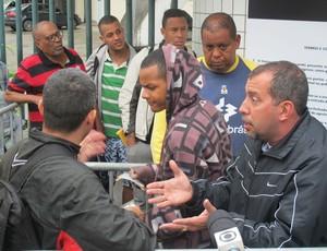 Torcedores Flamengo fila Maracanã (Foto: Thiago Benevenutte)