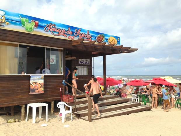 Kiosque do Agedir Quiosque Capão da Canoa beira da praia (Foto: Jessica Mello/G1)