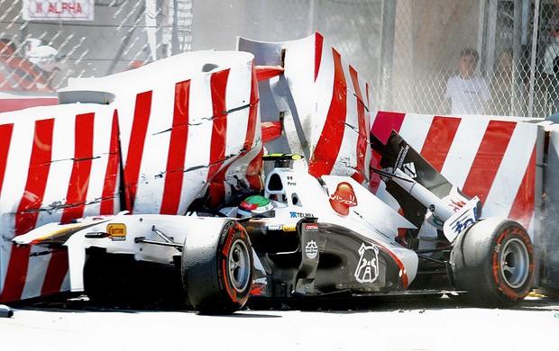 carro de Sergio Perez após acidente em Mônaco (Foto: EFE)