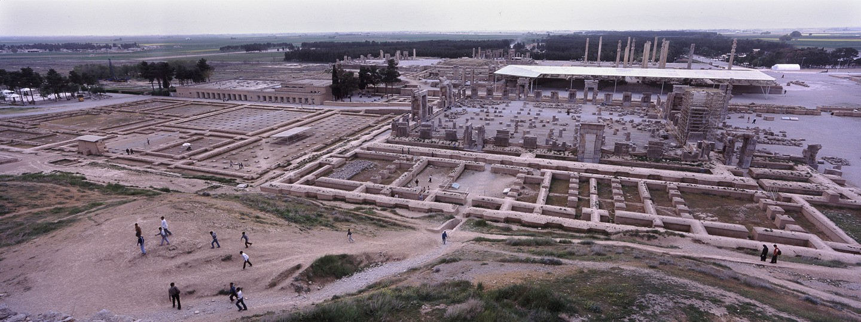 Ruínas de Persépolis, perto de Shiraz (FOTO: REPRODUÇÃO)