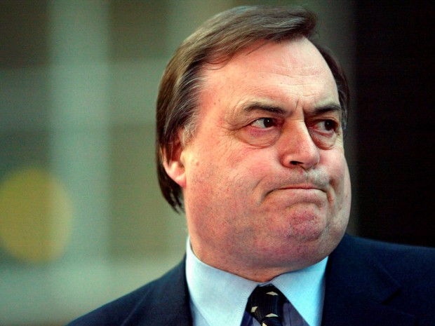 FILE PHOTO - Britain's Deputy Prime Minister John Prescott is pictured in Downing Street in London March 17, 2003. (Foto: Toby Melville/Reuters)