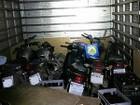 Homem é preso transportando cinco motos roubadas em caminhão baú