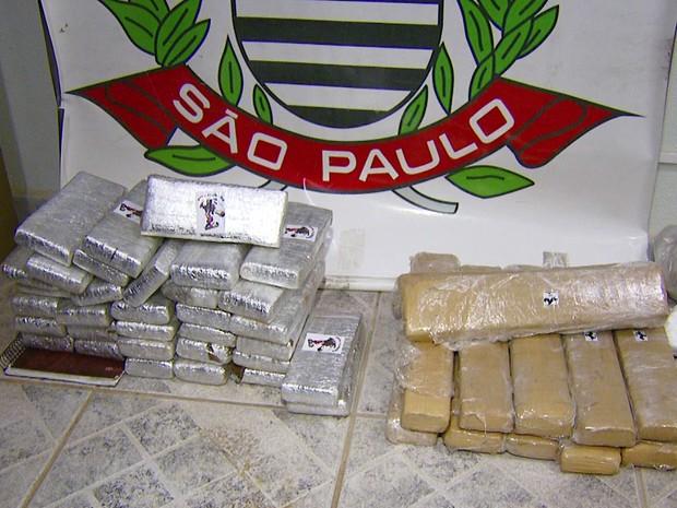 Droga foi apreendida em casa de suspeito e em padaria de Campinas (Foto: Toni Mendes/ EPTV)