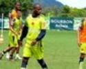Jumar se recupera de torção e volta a treinar com bola em Atibaia