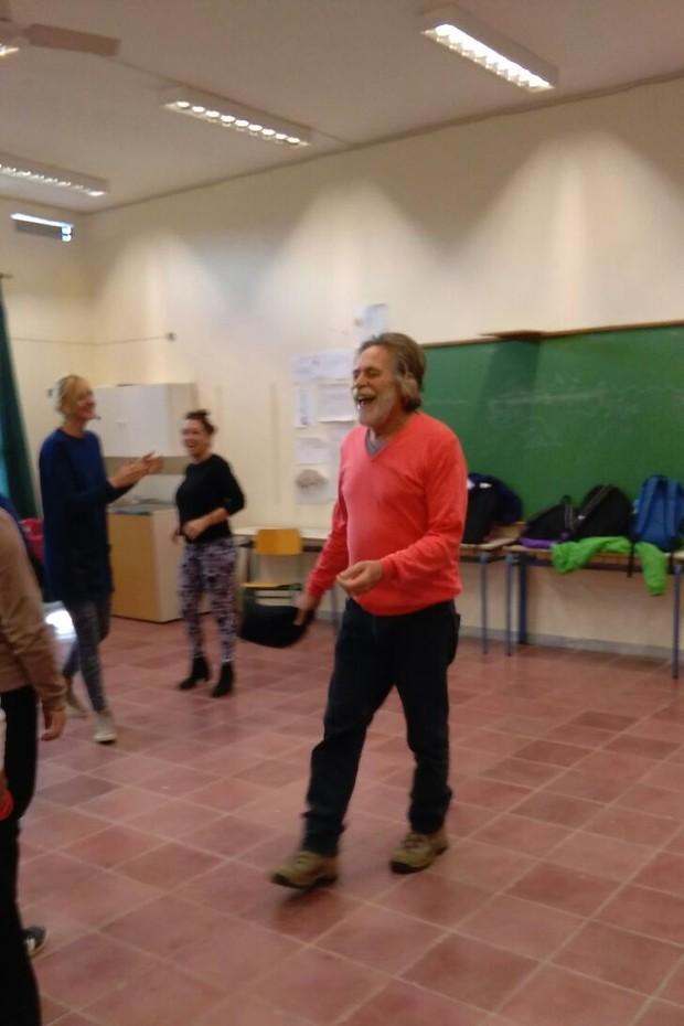 José de Abreu na aula de teatro na Grécia (Foto: Arquivo pessoal)