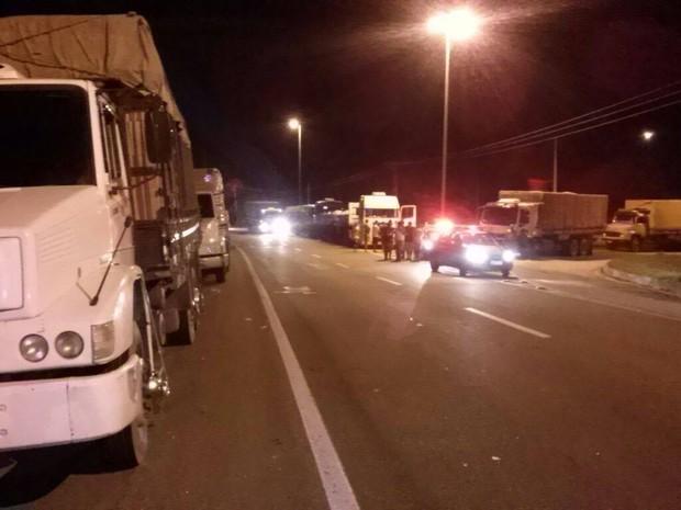 Congestionamento foi de quase 8 km. chegando ao trevo da Estrada dos Ceramistas (Foto: Divulgação/PRF)