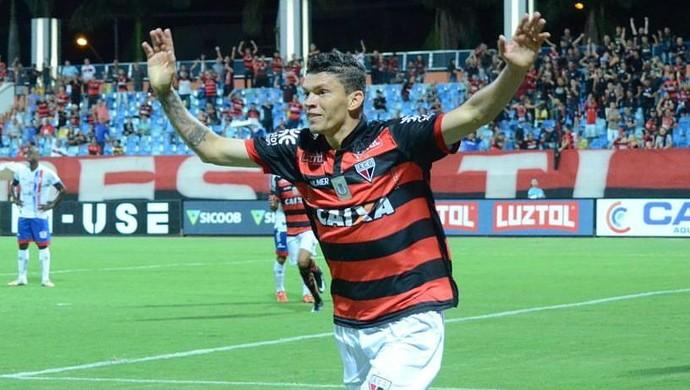 Júnior Viçosa - atacante do Atlético-GO (Foto: Divulgação / Atlético-GO)