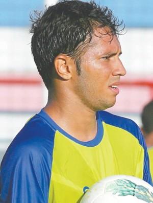 Assisinho, atacante do Fortaleza (Foto: Lucas de Menezes/Agência Diário)