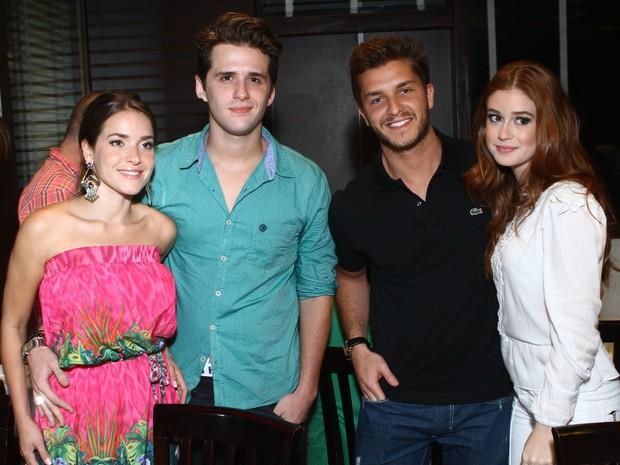 Monique Alfradique, Gil Coelho, Klebber Toledo e Marina Ruy Barbosa em festa no Rio (Foto: Raphael Mesquita/ Foto Rio News)
