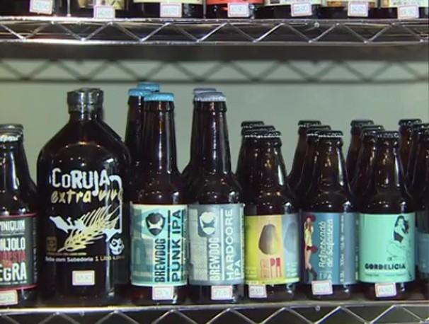 Cervejas artesanais são opções para presentear fãs da bebida (Foto: Reprodução/ TV Vanguarda)