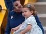 Princesa Charlotte faz sua 1ª grande viagem (AP)
