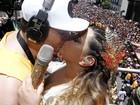 Preta Gil reúne famosos e arrasta multidão com seu bloco de carnaval