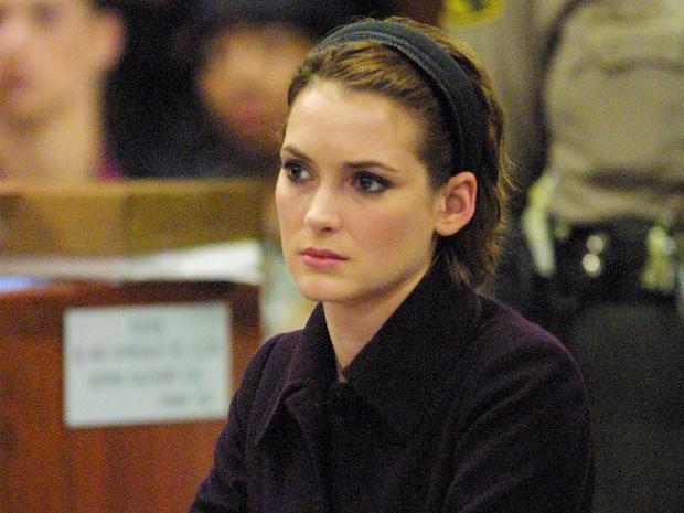 Winona em seu julgamento (Foto: Divulgação)