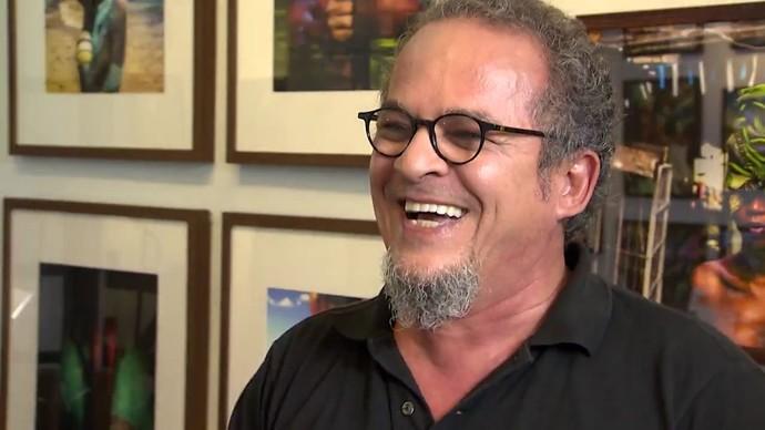Fotógrafo Álvaro Villela conta que filme 'Sob Fogo Cerrado' influenciou sua carreira (Foto: TV Bahia)