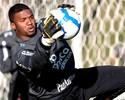 Vice do Inter em 2009 rebate Felipe e nega mala branca ao Corinthians