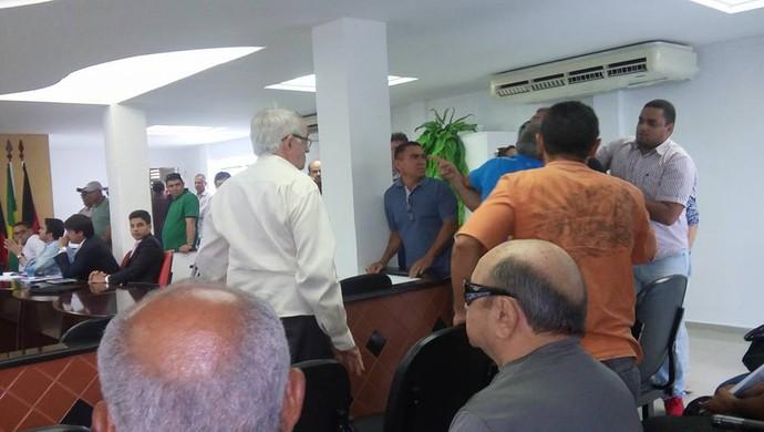 fpf, briga, federação paraibana, assembleia (Foto: Marcos Lima)