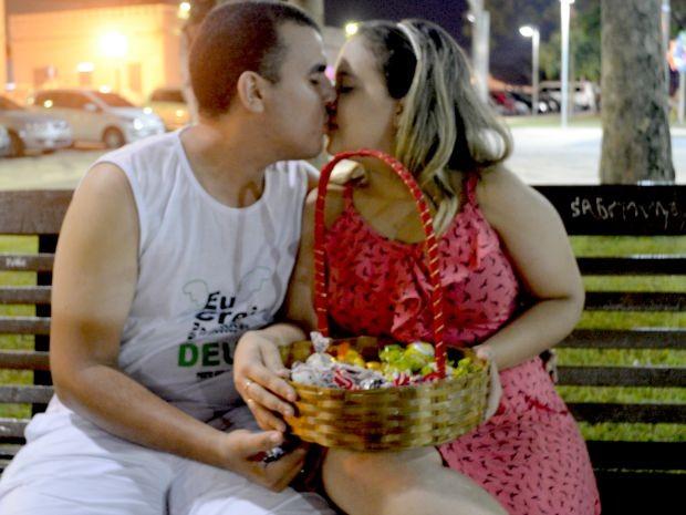 Casal pretende arrecadar R$ 11,8 mil até março do próximo  (Foto: Tácita Muniz/G1)