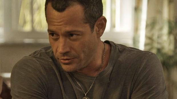 'Haja': Apolo diz que vai adotar Carol, Bia e Nicolas  (TV Globo)