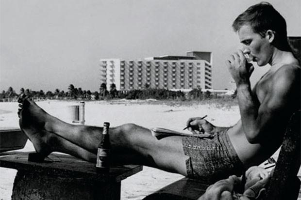 """Autor do livro """"Rum: Diário de um Jornalista Bêbado"""", Hunter Tompson aproveitou as benesses da ilha (Foto: Getty Images)"""