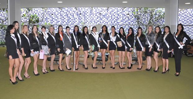 Candidatas a Miss Brasil Globo desfilaram pelos corredores do Senado nesta terça-feira (22) (Foto: Divulgação/Octávio D'Ávila)