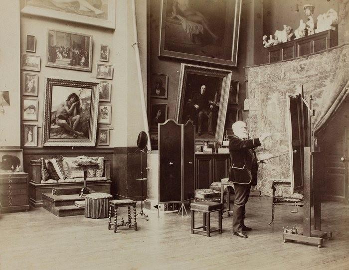 Alexandre Cabanel em seu estúdio parisiense, em 1885. (Foto: Reprodução)