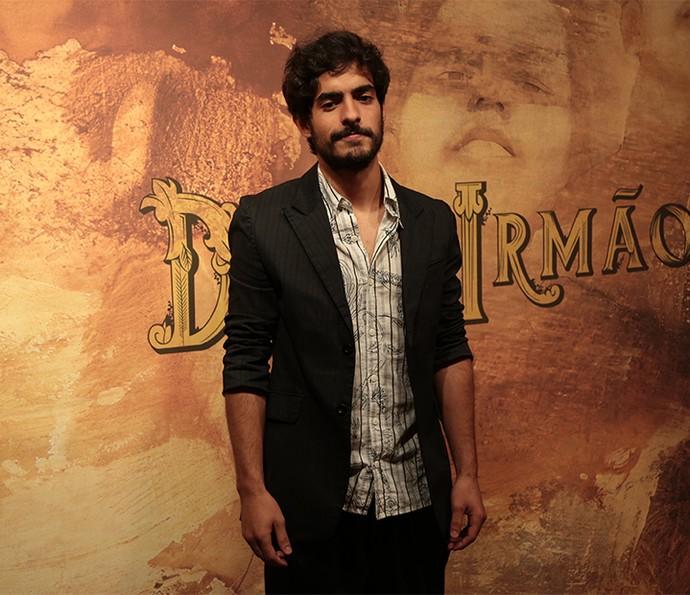 O jovem ator Bruno Anacleto divide Halim com Antonio Calloni e Antonio Fagundes (Foto: Isabella Pinheiro/ Gshow)