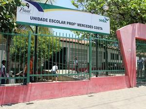 Unidade Escolar no Bairro Promorar também está na lista da Seduc (Foto: Gil Oliveira/ G1)