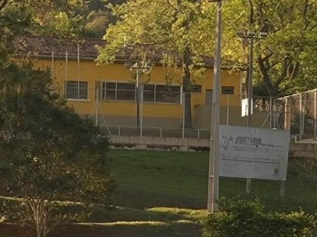 Direção da escola teria sido omissa com reclamações (Foto: Reprodução / TV TEM)